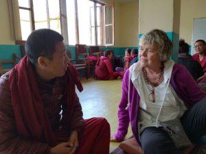 Voluntaria en las clases de inglés con refugiados tibetanos en India